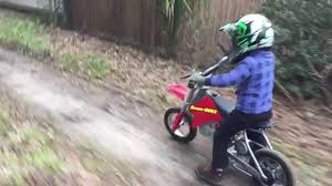 razor mx400 dirt rocket electric motocross bike 3 year old riding razor dirt bike youtube