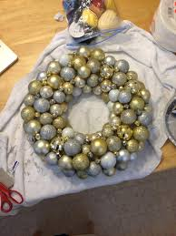 money hip mamas diy christmas ornament ball wreath tutorial