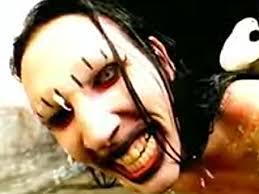 imagenes satanicas de marilyn manson video de marilyn manson putting holes in happiness videoclip