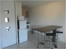 pied de plan de travail cuisine table haute plan de travail cuisine incroyable étourdissant plan de