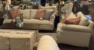 Tufted Living Room Chair by Living Room Furniture Helllp Too Much Tufted