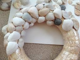 decorating diy seashell wreath for more beautiful wall decor ideas