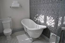 salle de bain chambre d hotes chambres d hôtes au château de l oseraie morannes sur sarthe daumeray