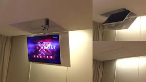 tv a soffitto tv moving mf staffa tv motorizzata da soffitto per tv a