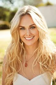 anger management finds new female lead in laura bell bundy