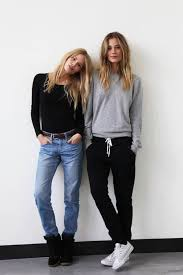 What To Wear With Light Jeans 5 Smart Ways To Wear Your Summer Jeans At Myschooloutfits Com