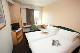 Hotel Aire Autoroute Hotel Ibis Auxerre Sud Venoy France Booking Com