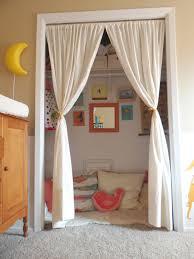 kids reading nook in a closet boas ideias pinterest kid
