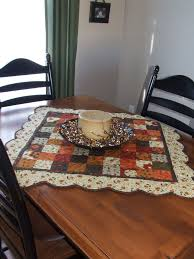 quilted square table toppers 1082 best quilts table runners images on pinterest railings table
