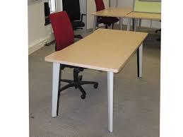 steelcase bureau bureau bois clair steelcase adopte un bureau