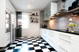 carrelage noir et blanc cuisine carrelage cuisine blanc et noir sols cuisine chaises bar carrelage