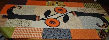 halloween table runners sisters and quilters september 2012