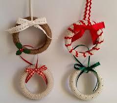 jar lid wreath ornaments allfreeholidaycrafts
