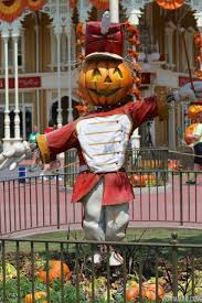 photos magic kingdom u0027s 2013 halloween decorations