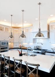 eclairage cuisine suspension maison en bois en utilisant luminaire cuisine suspension žlot