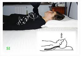 cuscini per dormire bene curare il mal di schiena a chi rivolgersi per le cure