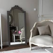 miroir dans chambre à coucher miroirs magnifiques pour votre chambre à coucher décor de maison