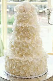 white wedding cake 31 exquisite all white wedding cakes weddingomania