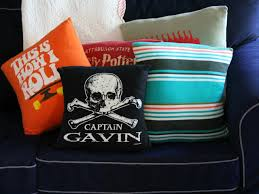 How To Make A Fitted Tablecloth For A Rectangular Table How To Make Throw Pillows Out Of Old T Shirts How Tos Diy