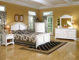 Family Furniture Bedroom Sets Live Like A Royal Family By Using Cottage Style Furniture