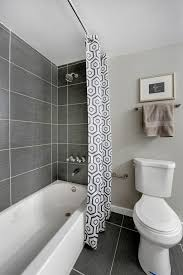 Bathroom Tile Layout Ideas by Best 20 Bathtub Tile Ideas On Pinterest Bathtub Remodel Tub
