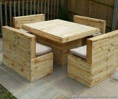 Build A Wooden Garden Table by Pallet Couch And Table This Simple Pallet Couch And Table Project