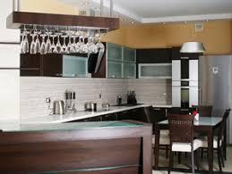 plan de travail cuisine verre plan de travail en verre critères de choix et prix ooreka