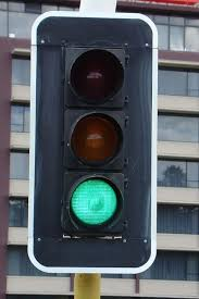 in japan people often refer to traffic lights as being blue in