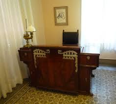photo blog park guell gaudi house furnishings
