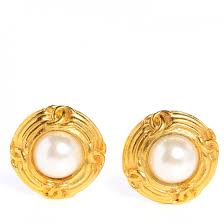 pearl clip on earrings chanel vintage pearl cc clip on earrings gold 77508