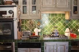 carrelage cuisine provencale photos faience cuisine provencale carrelage vert orleans photos newsindo co