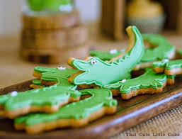 that cute little cake romain u0027s crocodile birthday party
