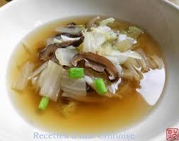 cuisine vite fait recettes d une chinoise soupe de tous les jours au chou et aux