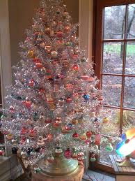 your tree doesn t need to be to make a statement