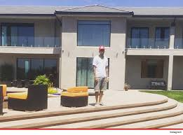 chris brown u2013 my new crib comes with a personal footlocker photo