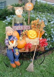 yard decorations100 year calendar fall yard decoration ideas hay bales scarecrows and silk flowers