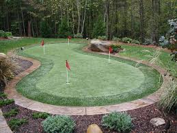 Small Backyard Putting Green Fine Design Outdoor Putting Greens Alluring Residential Synthetic