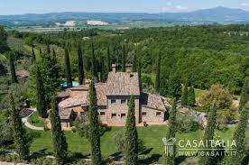 country house for sale between umbria and tuscany
