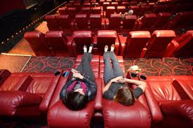 Amc Reclining Seats Reclining Seats At The Amc Theater On Broadway At 84th