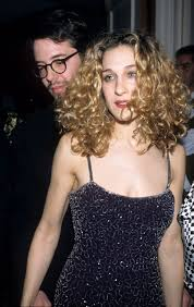 sarah jessica parker u0027s best curly hair moments through the years
