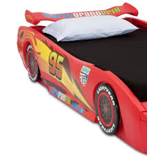 cars characters yellow amazon com delta children cars lightning mcqueen twin bed with