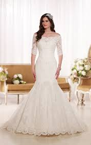 d1748 fit and flare lace silhouette with sleeves wedding gown