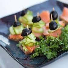 canapés saumon fumé recette canapés au saumon fumé toutes les recettes allrecipes