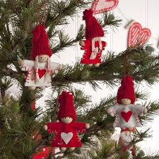 christmas tree decorations red and white