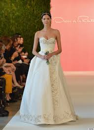 oscar de la renta lace wedding dress oscar de la renta s wedding dress legacy will never be forgotten
