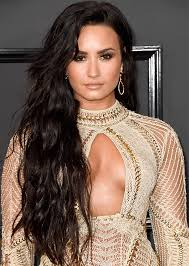demi lovato hair extensions demi lovato debuts extensions at 2017 grammys stylecaster