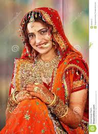 robe de mariã e indienne mariée indienne dans apparence de robe de mariage photos stock