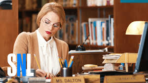 Snl Red Flag Margot Robbie Plays A Librarian Gone Horribly Wrong On The