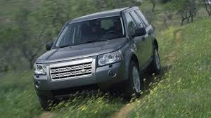 land rover freelander off road lr2 leaves freelander in the dust land rover u0027s new crossover