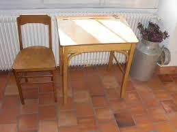 bureau enfant ancien un joli bureau pour enfant ancien en bois attribué à baumann n